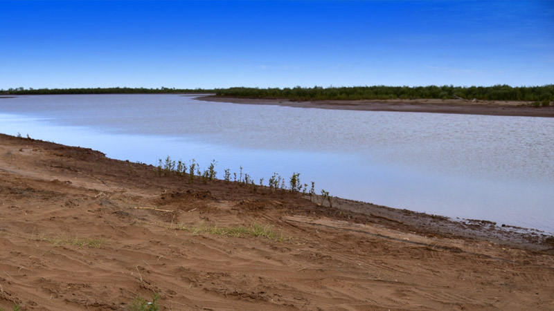 Ashburton River, gives good access to Onslow fishing spots, some good fishing for Mangrove Jack
